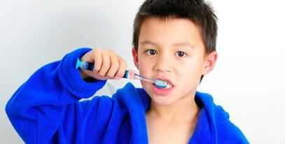 La correcta manera de lavarnos los dientes